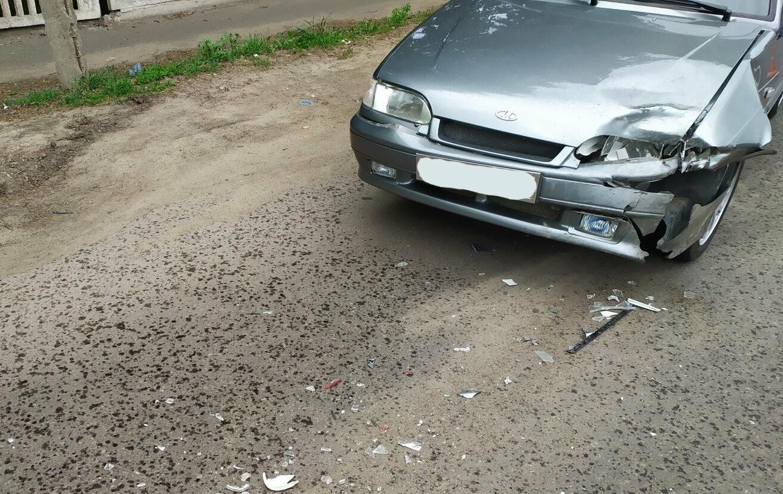 В Мичуринске при столкновении «Лады» и «Фольксвагена» пострадали двое детей, фото-1