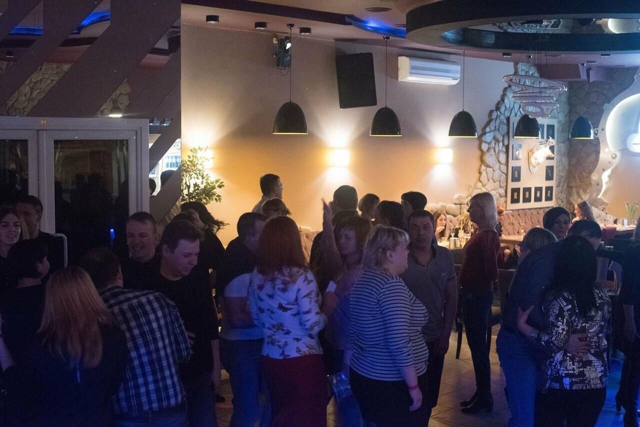 В мичуринском клубе после ссоры девушек подрались 17 человек. ВИДЕО, фото-2