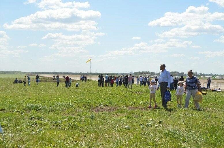 Тысячи тамбовчан посетили аэрофестиваль в Мичуринске, фото-10