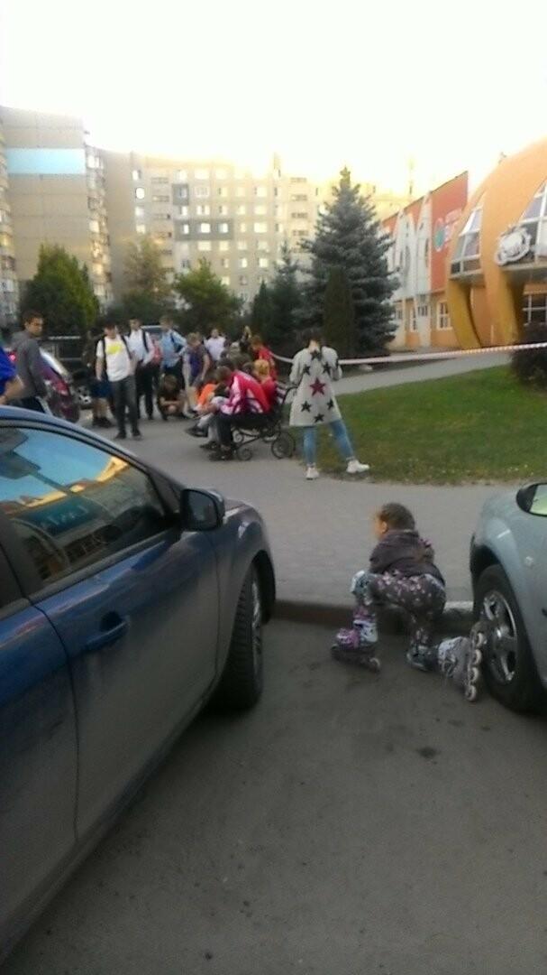 В Тамбове экстренно эвакуировали людей из ТЦ, автовокзалов и аэропорта. ВИДЕО, фото-14