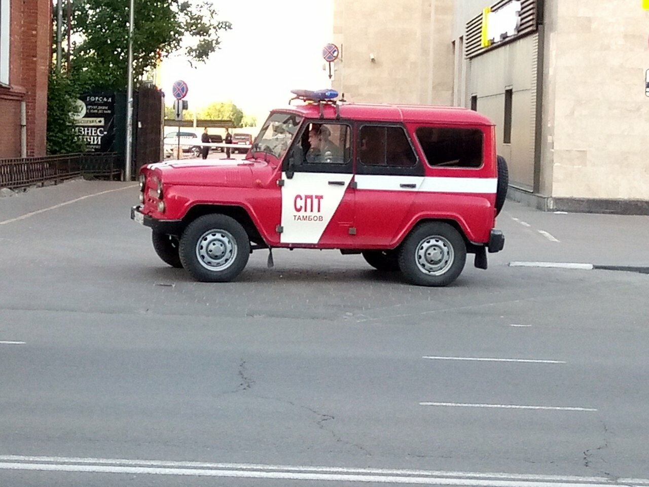 В Тамбове экстренно эвакуировали людей из ТЦ, автовокзалов и аэропорта. ВИДЕО, фото-6