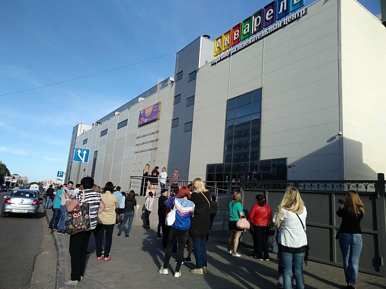 В Тамбове экстренно эвакуировали людей из ТЦ, автовокзалов и аэропорта. ВИДЕО, фото-8