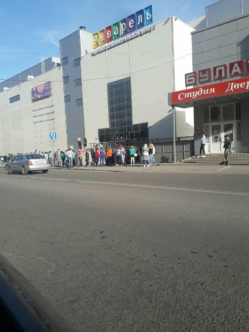 В Тамбове экстренно эвакуировали людей из ТЦ, автовокзалов и аэропорта. ВИДЕО, фото-7