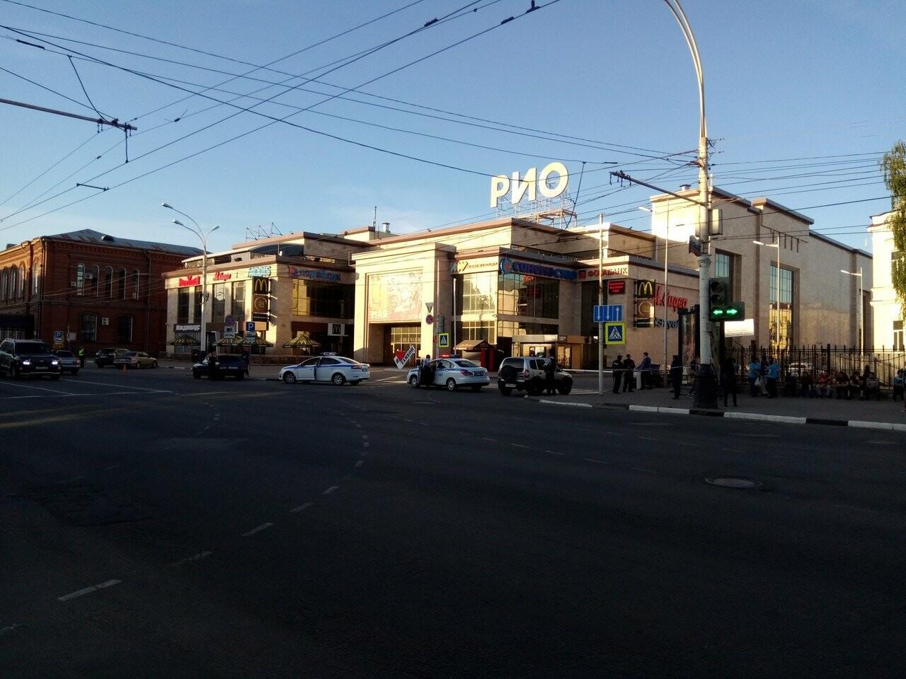 В Тамбове экстренно эвакуировали людей из ТЦ, автовокзалов и аэропорта. ВИДЕО, фото-9