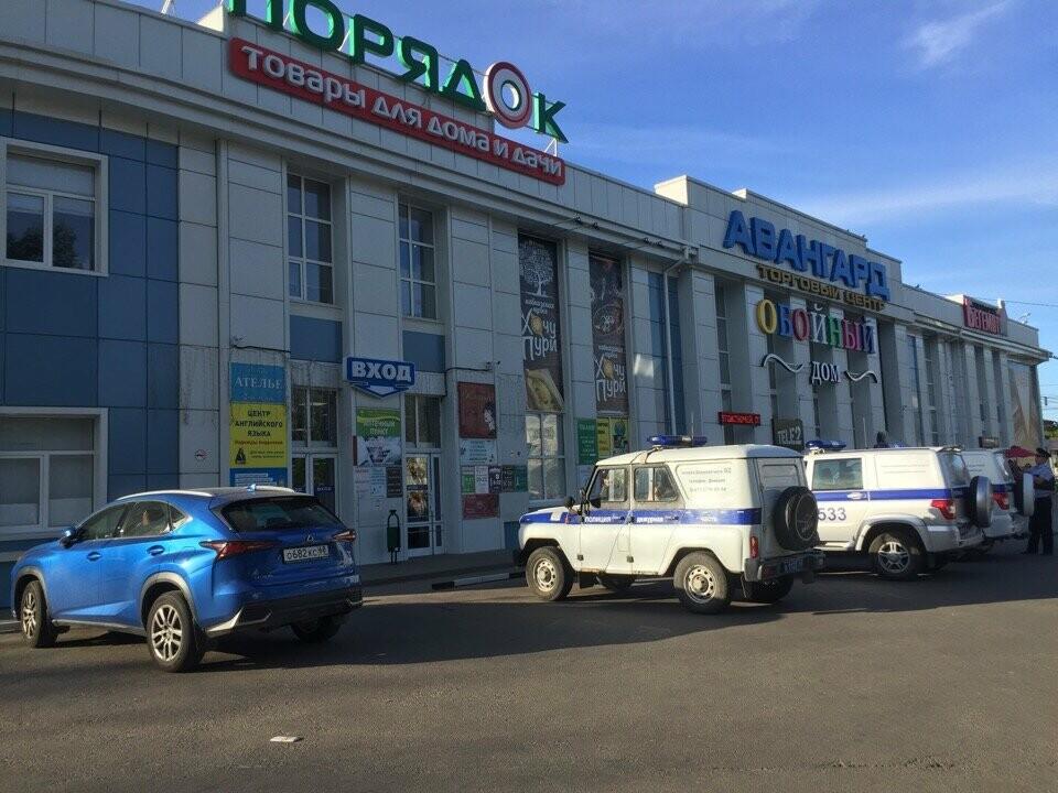В Тамбове спецслужбы проверили ТЦ, автовокзалы и аэропорт: взрывных устройств не обнаружили, фото-3