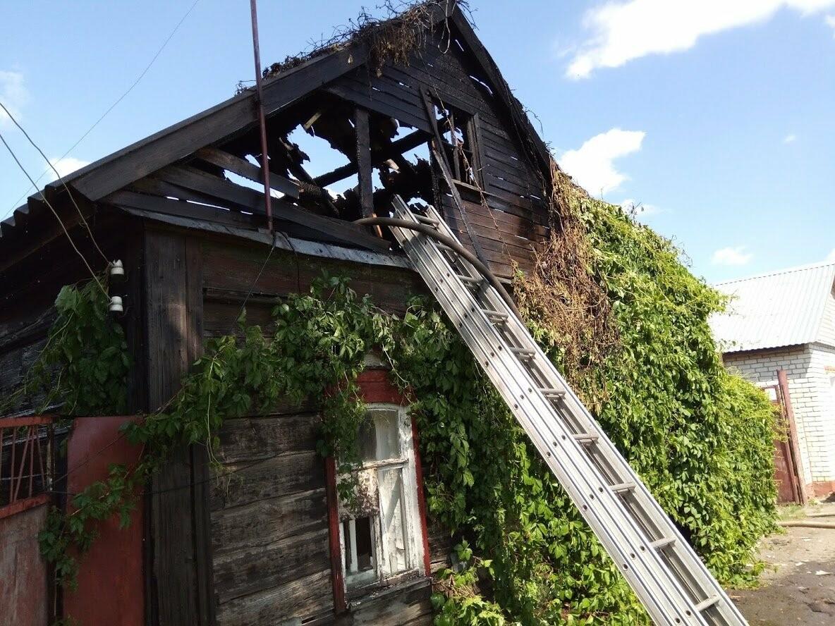 В центре Тамбова едва не сгорели два дома, фото-1