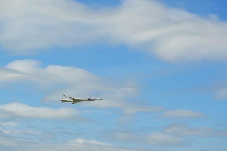 Фигуры высшего пилотажа, воздушный бой и выставка техники - фотообзор авиашоу в Тамбове, фото-4