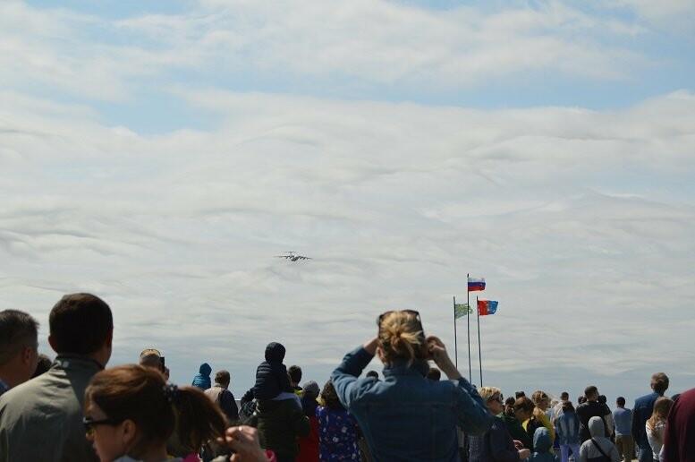 Фигуры высшего пилотажа, воздушный бой и выставка техники - фотообзор авиашоу в Тамбове, фото-6