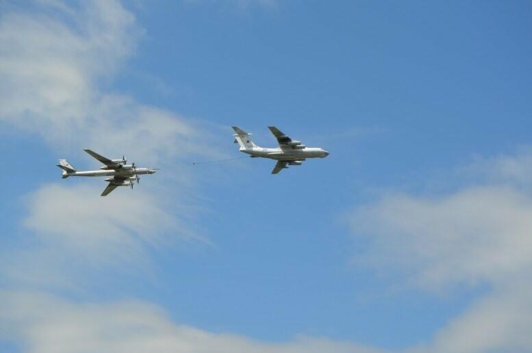 Фигуры высшего пилотажа, воздушный бой и выставка техники - фотообзор авиашоу в Тамбове, фото-8