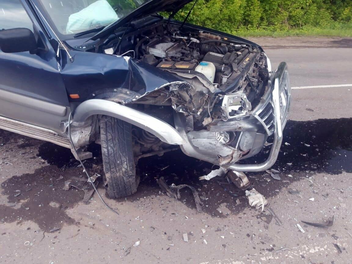 В Мичуринском районе при столкновении легковушки и внедорожника пострадали двое, фото-1