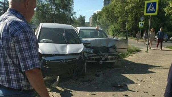 В Котовске пьяный водитель такси протаранил автомобиль с ребенком. ВИДЕО, фото-1