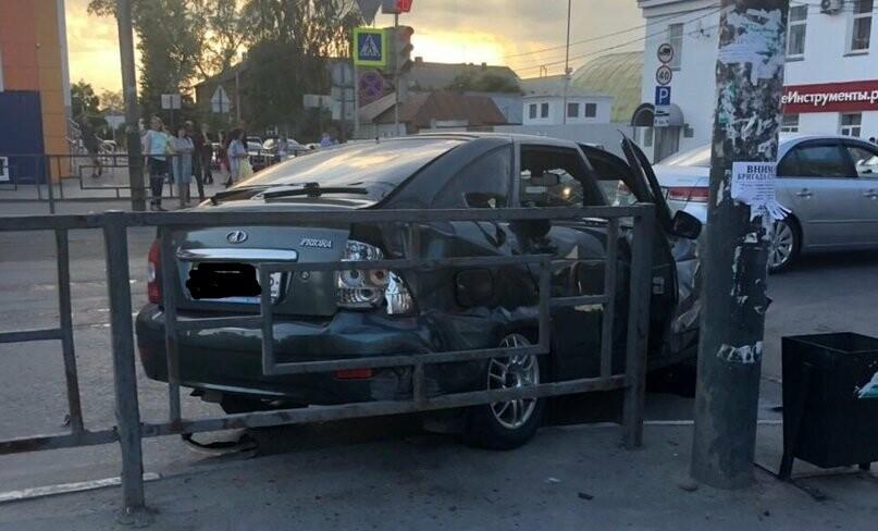 В центре Тамбова перевернулась пожарная машина после столкновения с «Приорой». ВИДЕО, фото-7