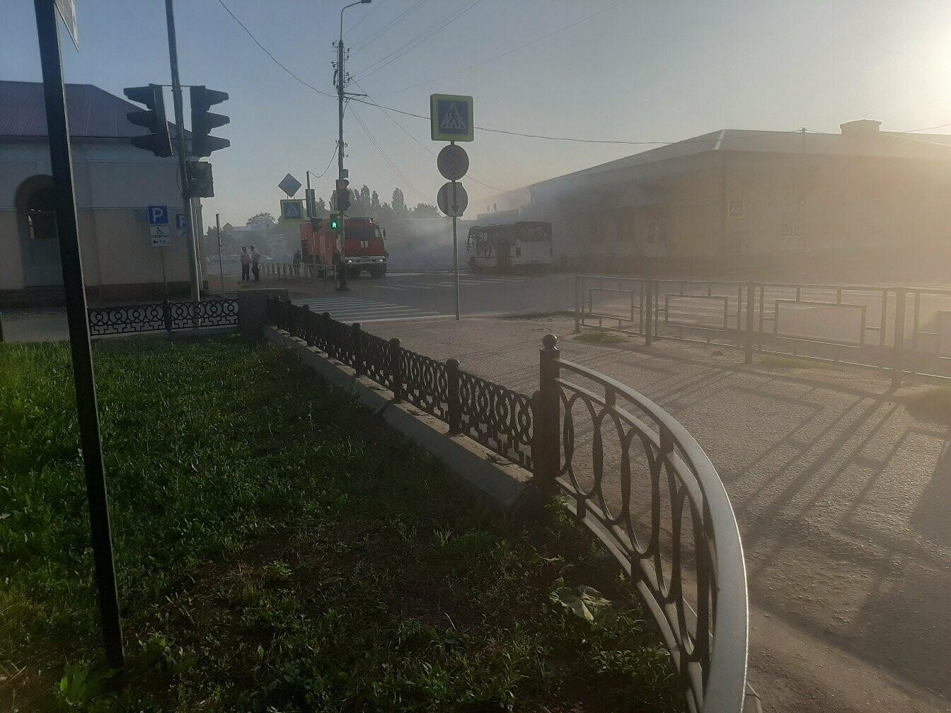 В Моршанске загорелся автобус с пассажирами. ВИДЕО, фото-4