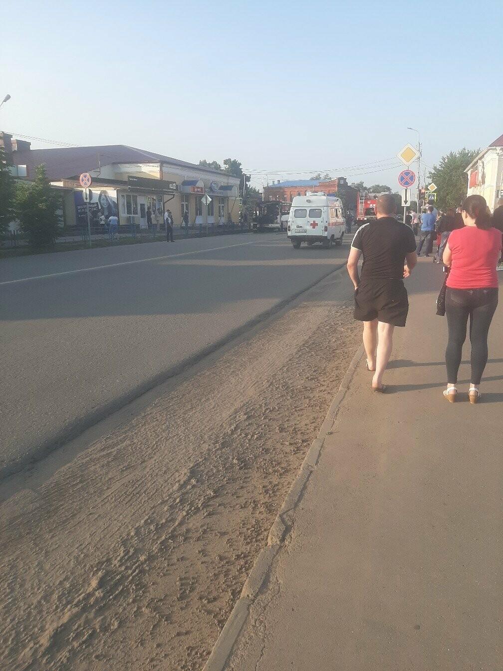 В Моршанске загорелся автобус с пассажирами. ВИДЕО, фото-3