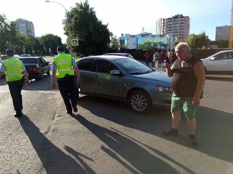 ДТП на перекрестке Мичуринской и Куйбышева: чудом не пострадал маленький ребенок, фото-2