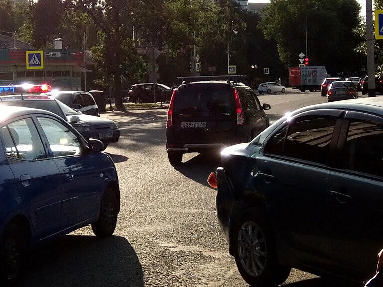 ДТП на перекрестке Мичуринской и Куйбышева: чудом не пострадал маленький ребенок, фото-3