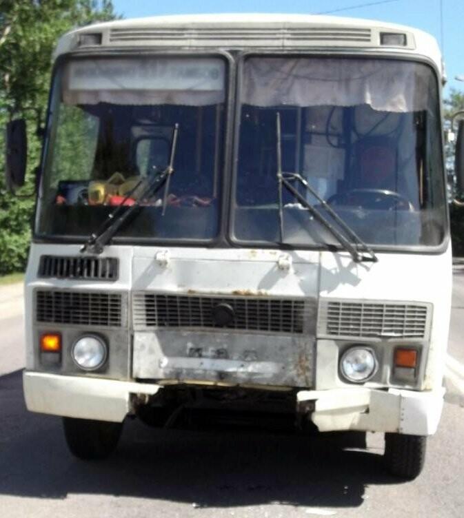 В Тамбове пассажирский автобус въехал в легковушку: пострадала девушка, фото-2