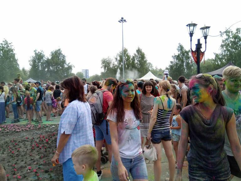 Тамбовчан раскрасили во все цвета радуги в парке Победы, фото-5