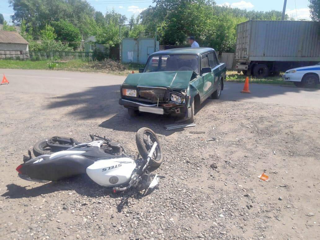 В Тамбовской области 14-летний мотоциклист врезался в легковушку: его пассажирка погибла, фото-2