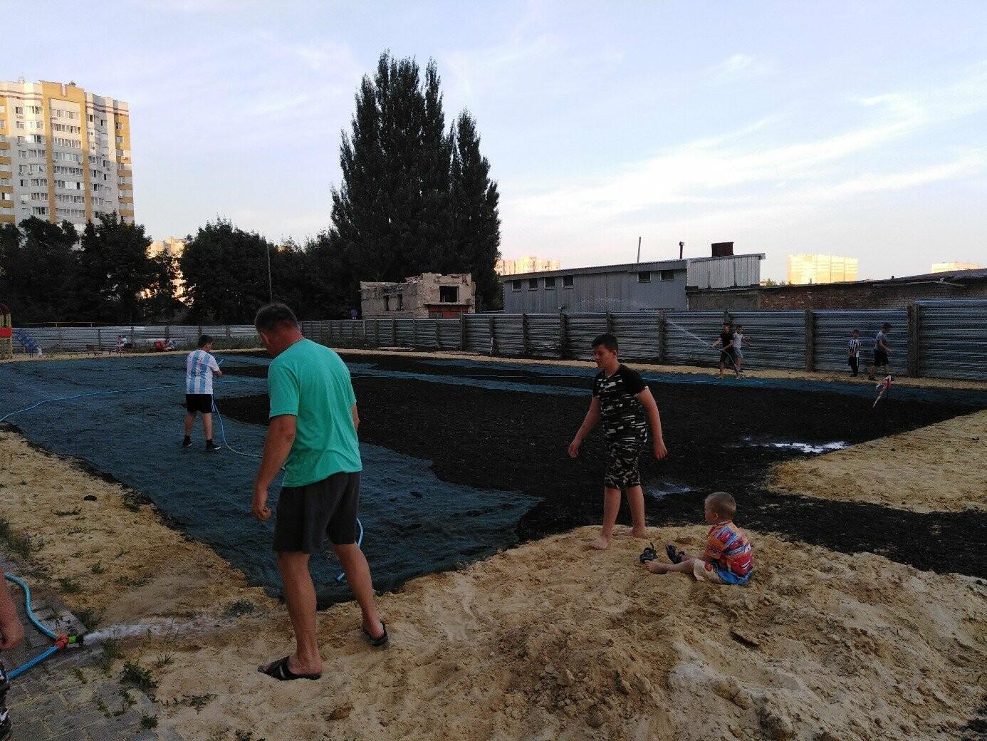 В Тамбове жители улицы Сабуровской обустроили футбольное поле, фото-7