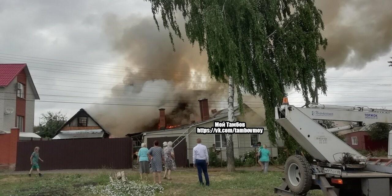 На севере Тамбова сгорели два дома с надворными постройками, фото-4
