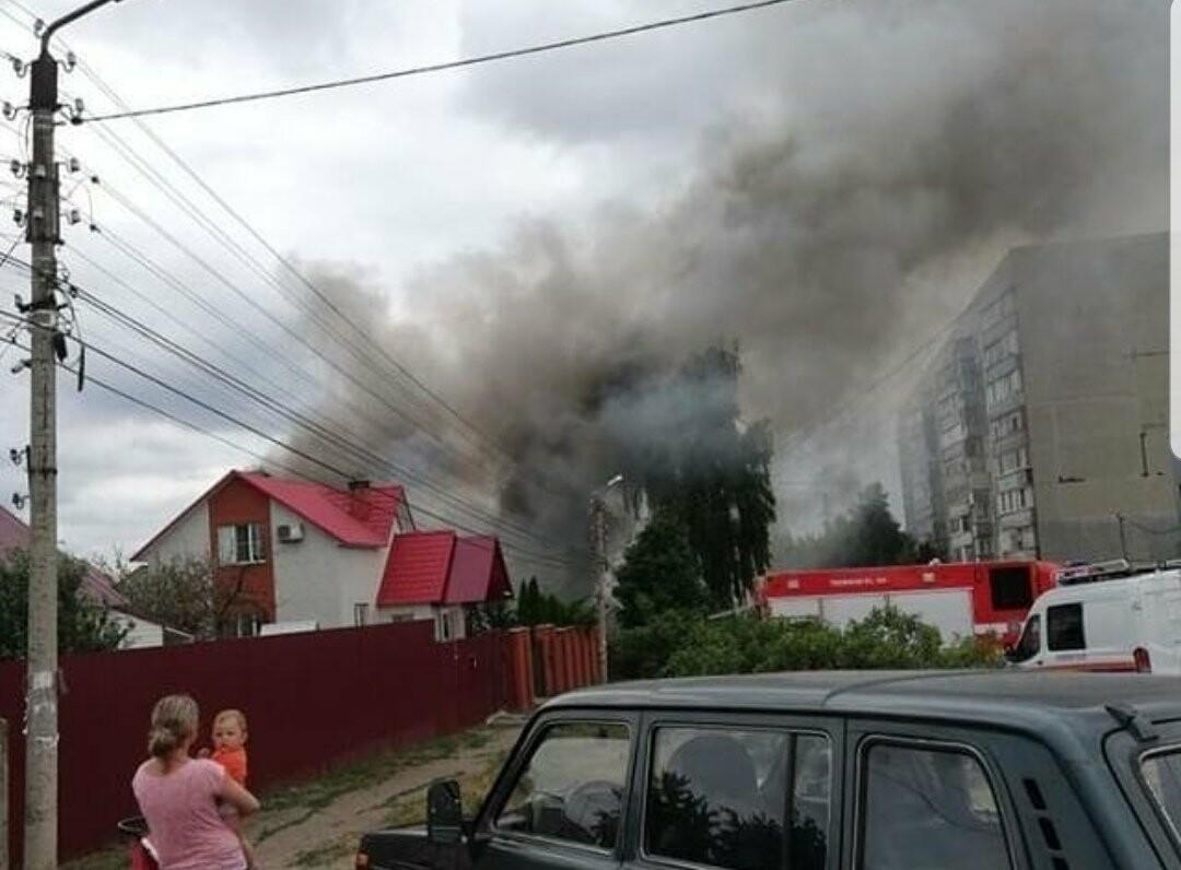 На севере Тамбова сгорели два дома с надворными постройками, фото-6
