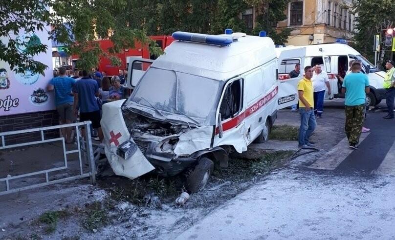 В Моршанске в ДТП с участием «скорой» погибла фельдшер, еще четверо пострадали. ВИДЕО, фото-1