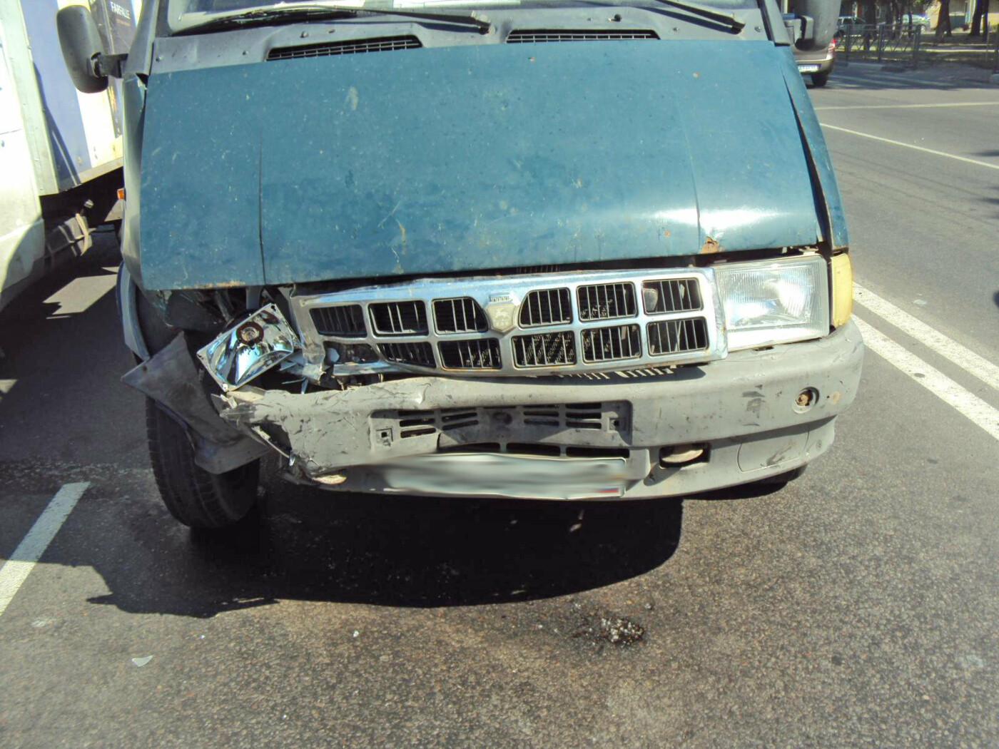 В Тамбове «ГАЗель» протаранила «Приору»: пострадала женщина, фото-2