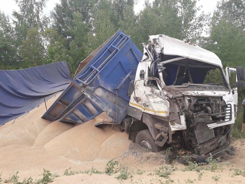 На трассе «Тамбов-Шацк» в тройном ДТП погиб парень, еще трое госпитализированы. ВИДЕО, фото-1