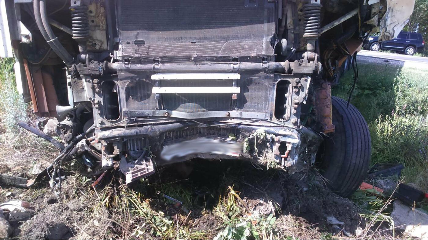 В Тамбовской области фура протаранила легковушку: пострадали три человека, в том числе двое детей. ВИДЕО, фото-2