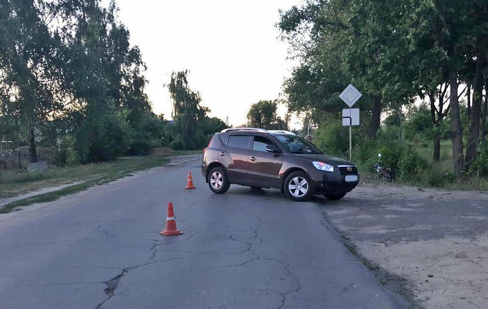 Тамбовчанка за рулем иномарки сбила двух подростков на мотоцикле, фото-1