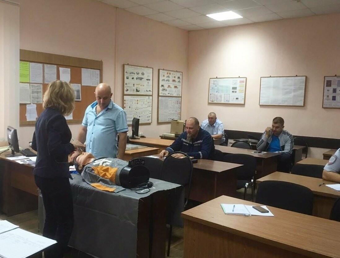 Тамбовские автоинспекторы готовы оказать первую медицинскую помощь на месте ДТП, фото-2