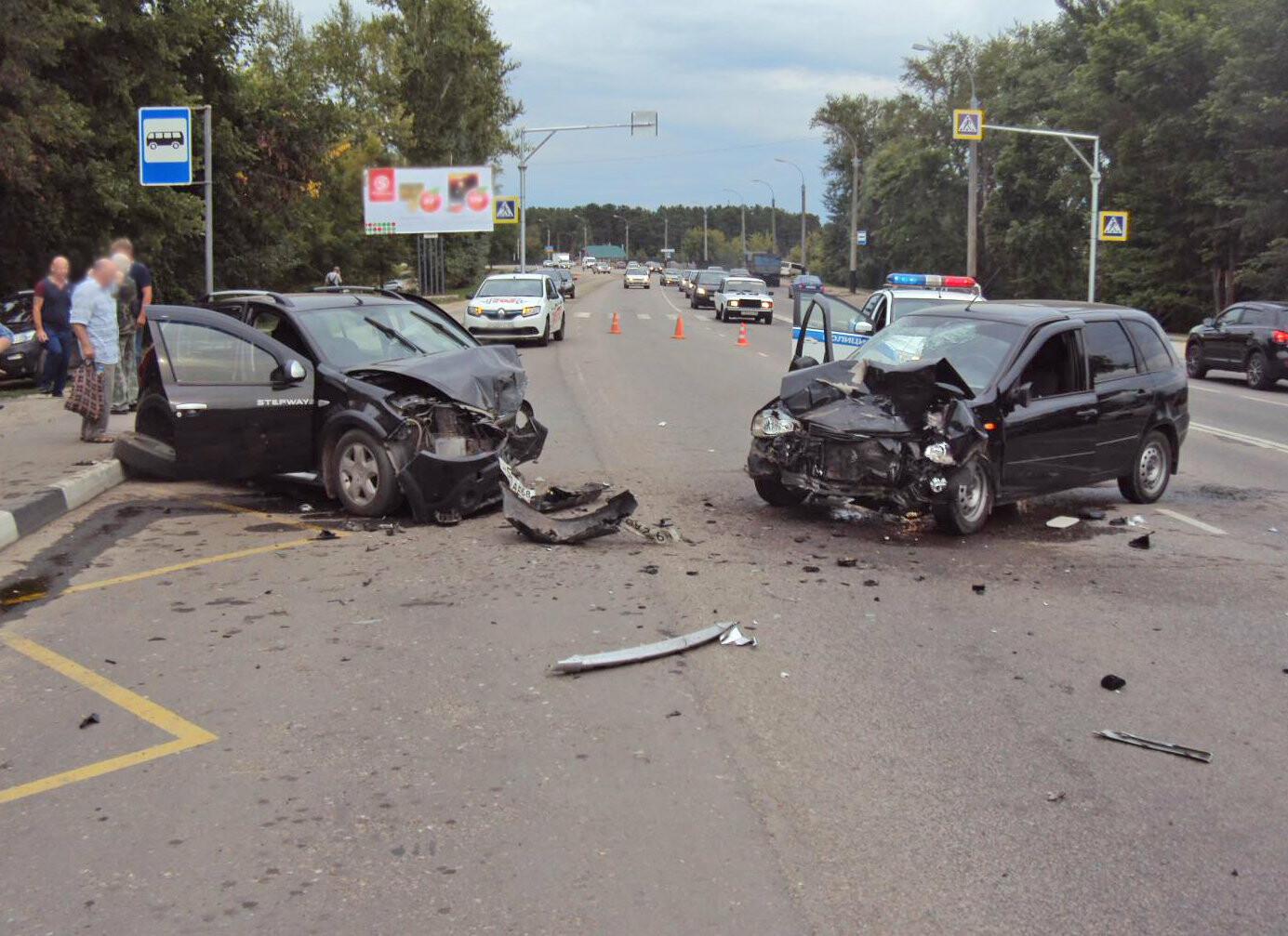 В Тамбове на Рассказовском шоссе при столкновении двух легковушек пострадала школьница, фото-3