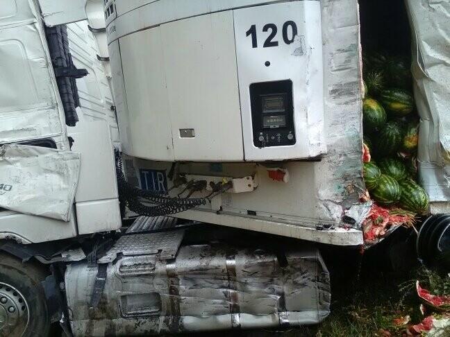 В Тамбовской области на трассе Р-22 произошло серьезное ДТП: движение затруднено, есть погибший, фото-3