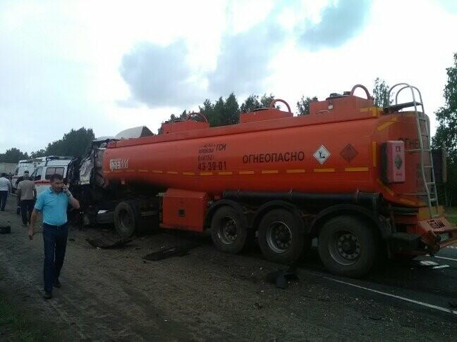 В Тамбовской области на трассе Р-22 произошло серьезное ДТП: движение затруднено, есть погибший, фото-7