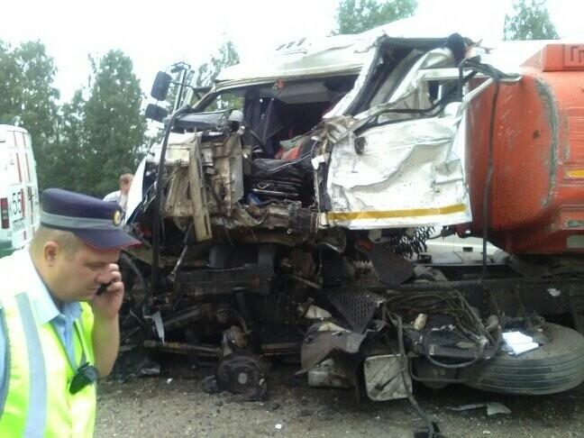 В Тамбовской области на трассе Р-22 произошло серьезное ДТП: движение затруднено, есть погибший, фото-8