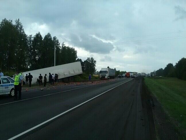 В Тамбовской области на трассе Р-22 произошло серьезное ДТП: движение затруднено, есть погибший, фото-11