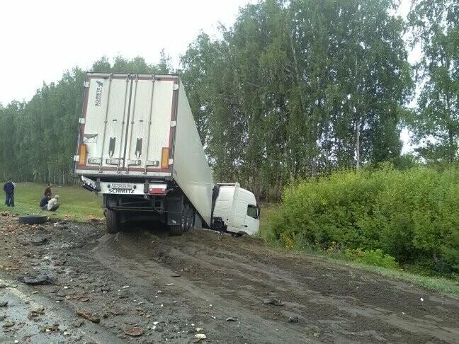 В Тамбовской области на трассе Р-22 произошло серьезное ДТП: движение затруднено, есть погибший, фото-13