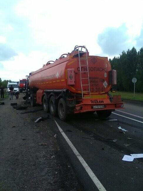 В Тамбовской области на трассе Р-22 произошло серьезное ДТП: движение затруднено, есть погибший, фото-14