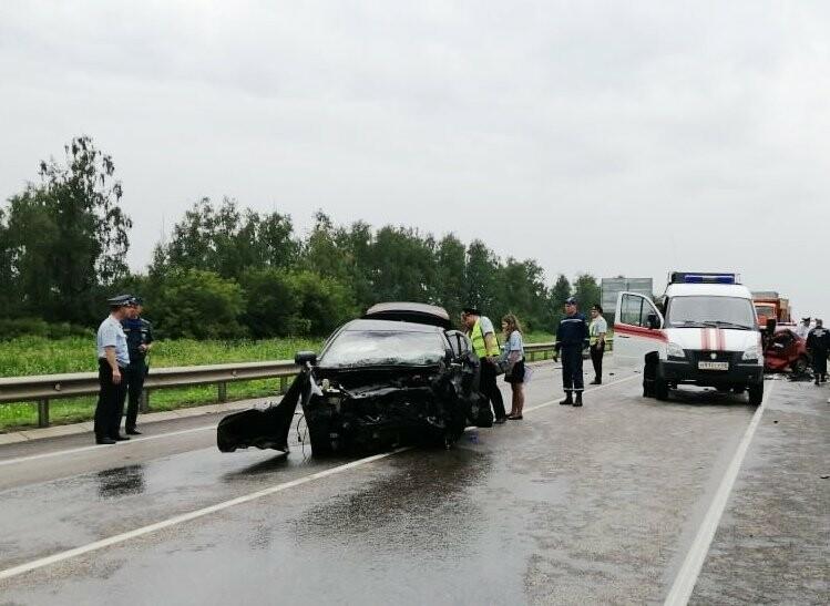 Страшное ДТП на трассе «Тамбов-Воронеж»: погибли три человека, в том числе 5-месячный ребенок, фото-2