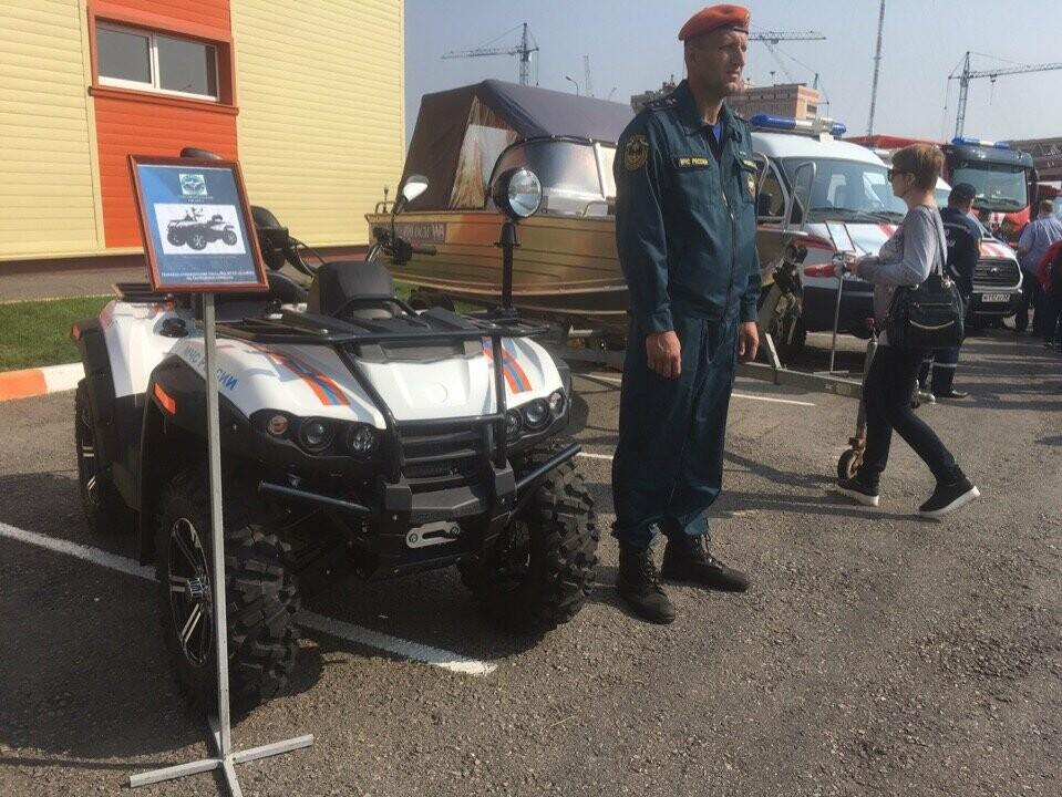 Лидеры Тамбовщины надели «боевки» пожарных, фото-1