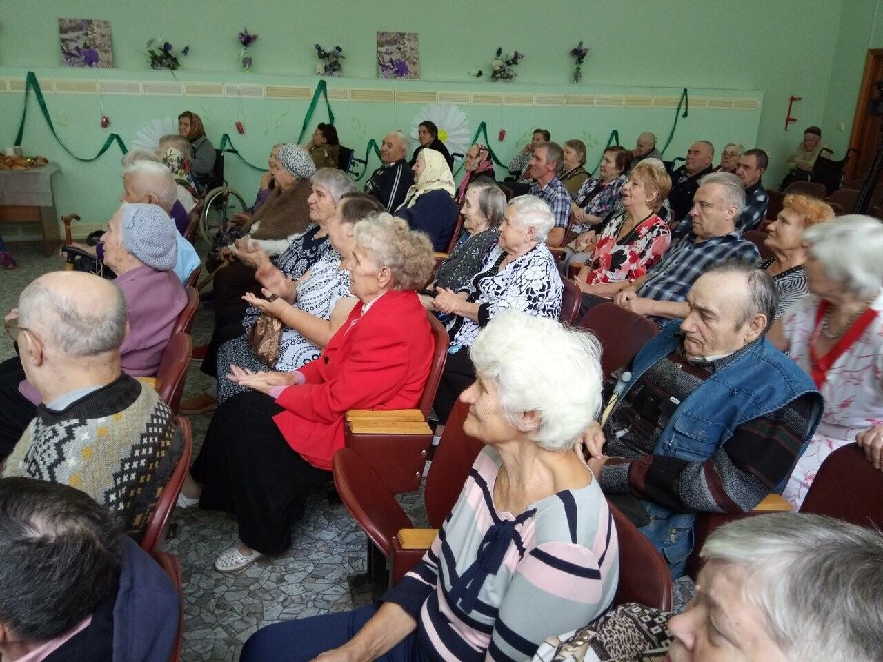 «Лидеры Тамбовщины» устроили праздник для ветеранов, фото-1