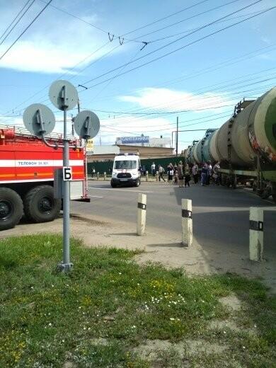 В Тамбове сошел с рельсов грузовой поезд с цистернами: движение на юге города парализовано. ВИДЕО, фото-1