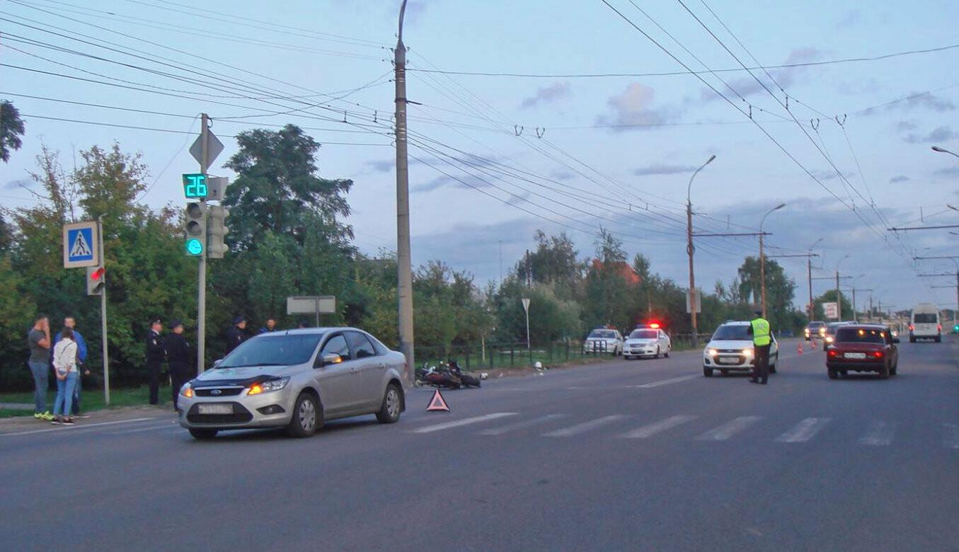В Тамбове пьяный мотоциклист врезался в легковушку: ему оторвало ногу. ВИДЕО, фото-1
