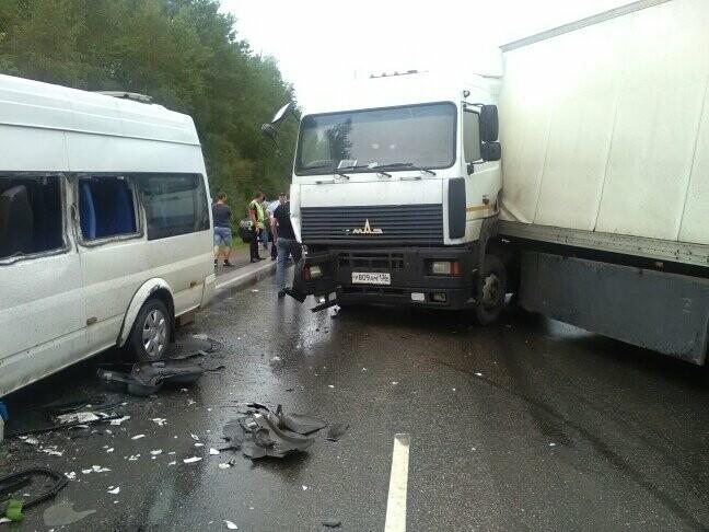 В результате столкновения маршрутки и фуры в Тамбовской области пострадали 8 человек, фото-3