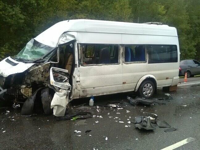 В результате столкновения маршрутки и фуры в Тамбовской области пострадали 8 человек, фото-4