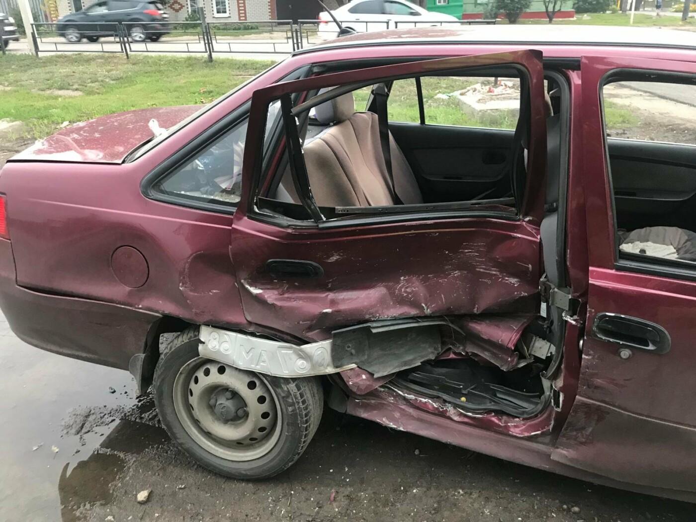 В Тамбове при столкновении двух легковушек пострадала 10-летняя девочка, фото-1