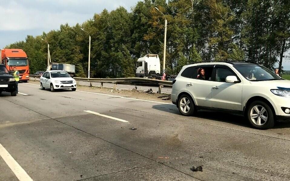В Тамбовском районе на трассе Р-22 легковушка врезалась в автобус: трое госпитализированы, фото-4