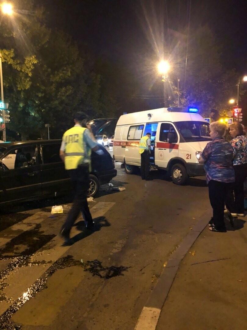 В центре Тамбова в массовом ДТП пострадал человек, фото-7