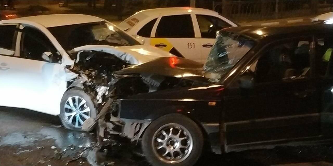 В центре Тамбова в массовом ДТП пострадал человек, фото-8
